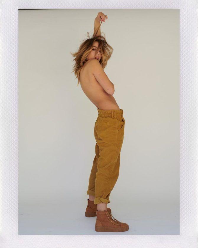 Хлоя Беннет  фотография в брюках