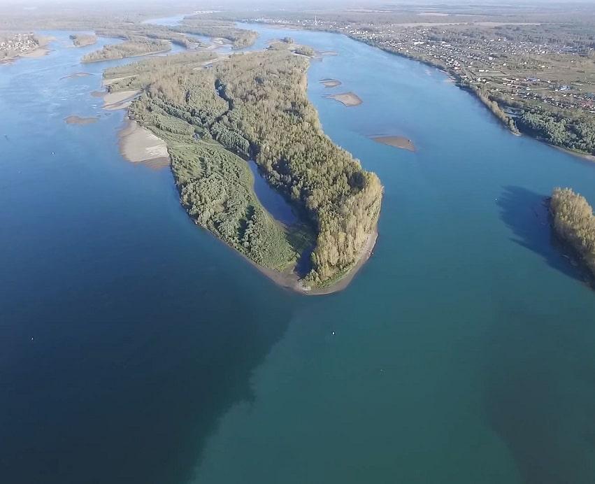 Слияние рек Бия и Катунь