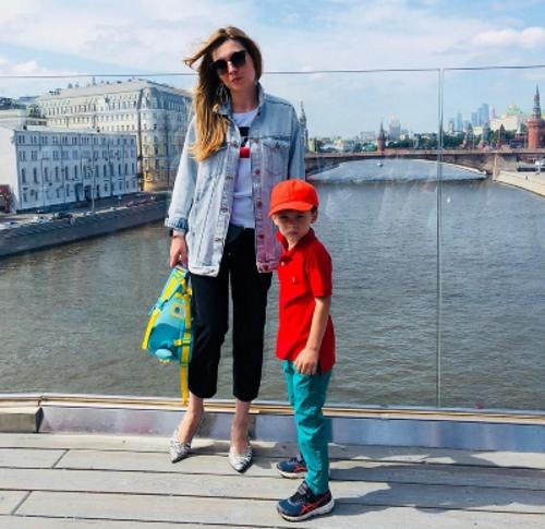 Ольга Владимировна Скабеева с сыном Захаром
