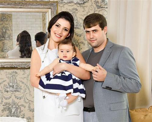 Певица Жасмин с мужем Аланом Шором и дочкой Маргаритой