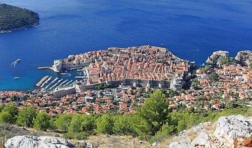 Вид с горы Срдж на Старый город Дубровника