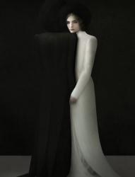 Justine Tjallinks, Oscuro