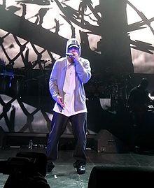 Eminem at DJ Hero Party.jpg