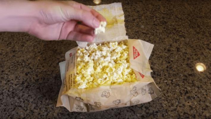 Для попкорна пакет