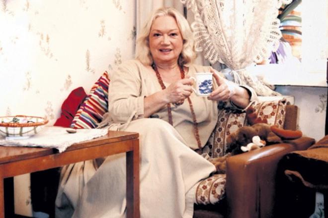 Актриса Людмила Полякова