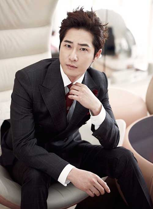Stylish Messy Haircut for Korean MenStylish Messy Haircut for Korean Men
