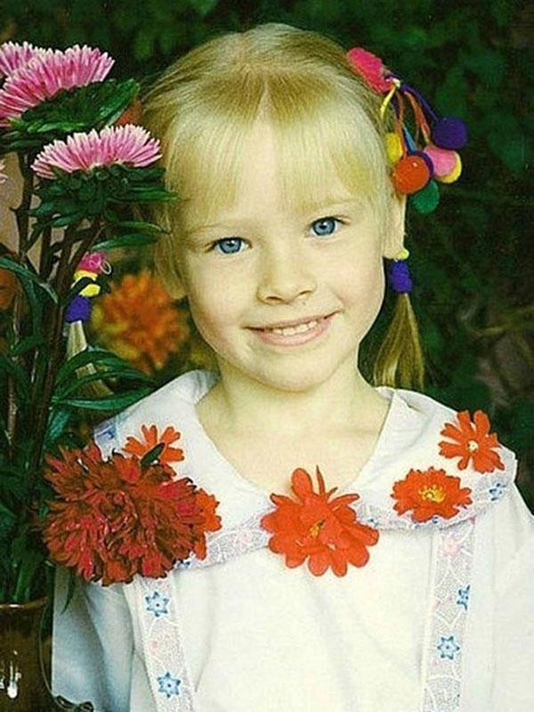 Алена Шишкова в детстве