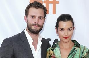 Джейми Дорнан поддержал жену Амелию Уорнер на кинофестивале в Торонто