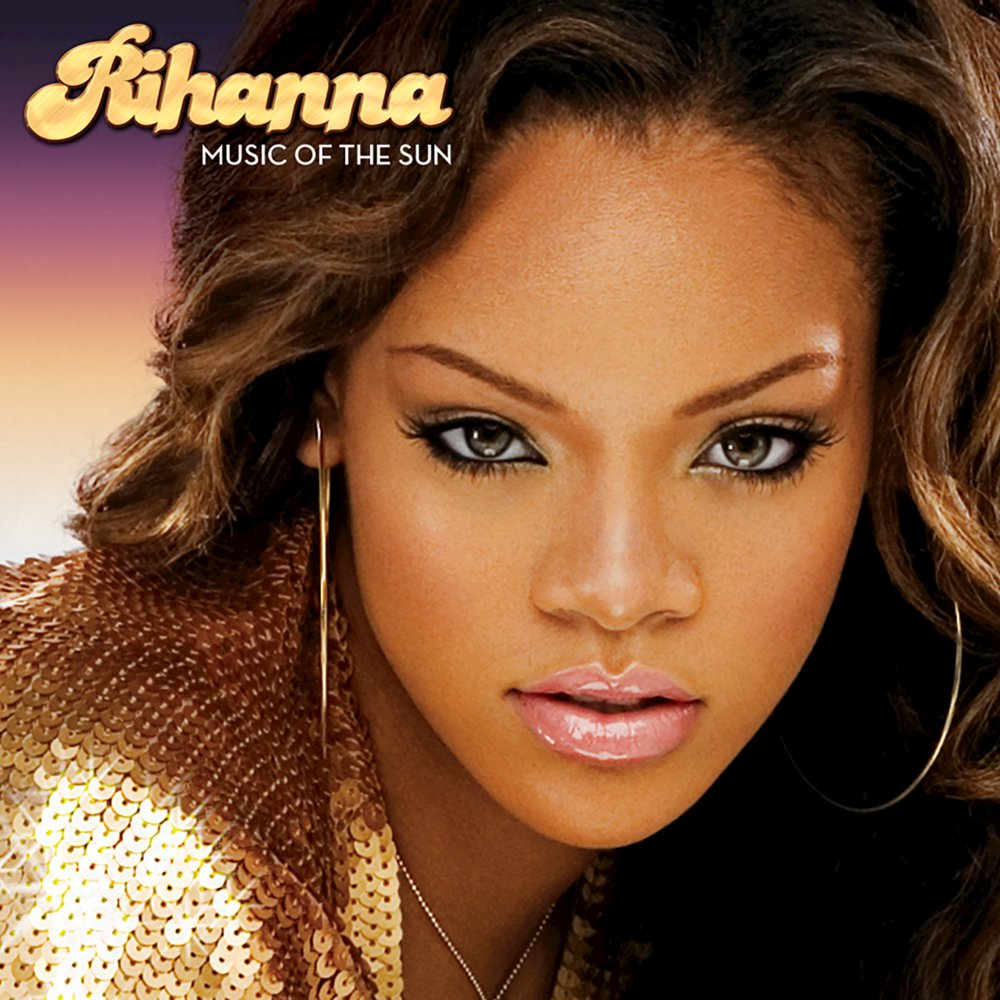 Rihanna pon the