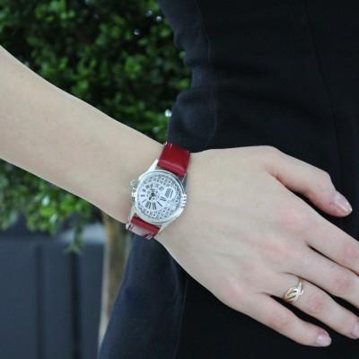 Лаконичные женские часы
