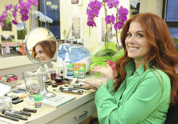 How to get debra messing hair color