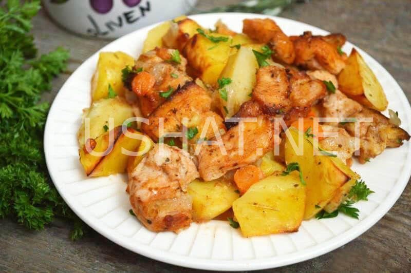 Картошка в духовке со сметаной и мясом