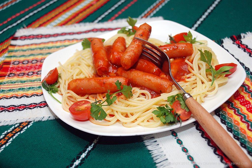Спагетти соус с сосисками для