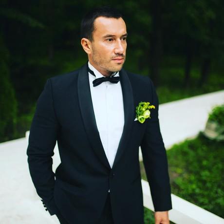 Михаил Терехин, экс-участник проекта «Дом-2»«Поздравляю Woman.ru с днем рождения! Вы стали совершеннолетними, поэтому в дальнейшем желаю не останавливаться, а смело идти только вперед. Процветания и огромного количества читателей»