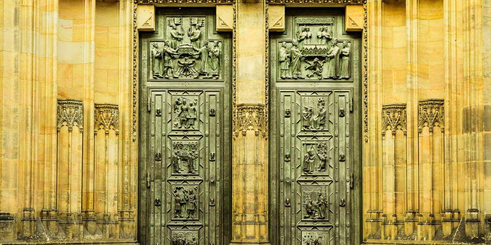 prague_st_vitus_doors