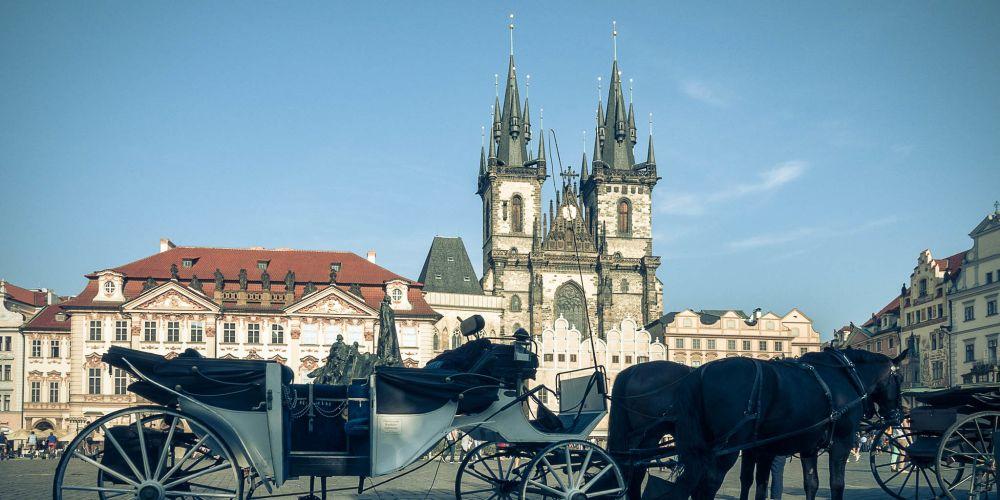 carriage_old_town_prague