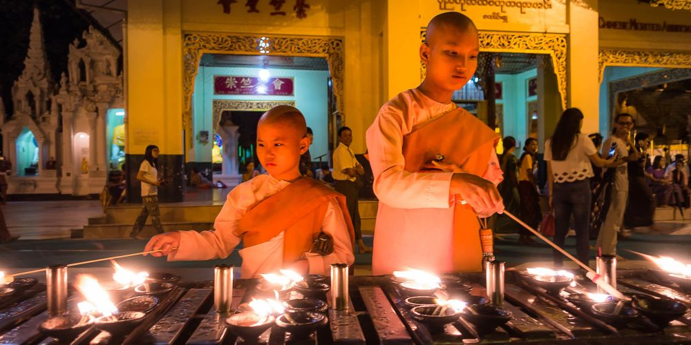 young_women_monks_myanmar