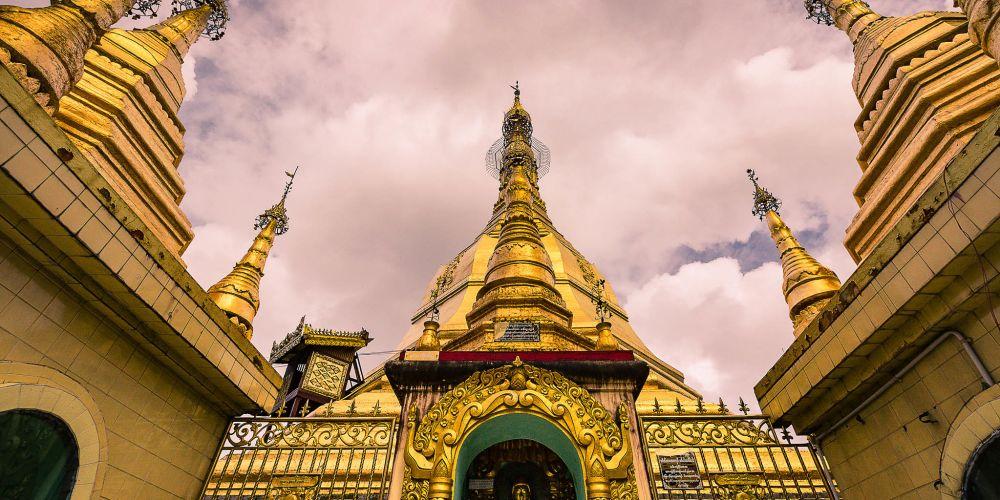 sule_pagoda_yangon_myanmar