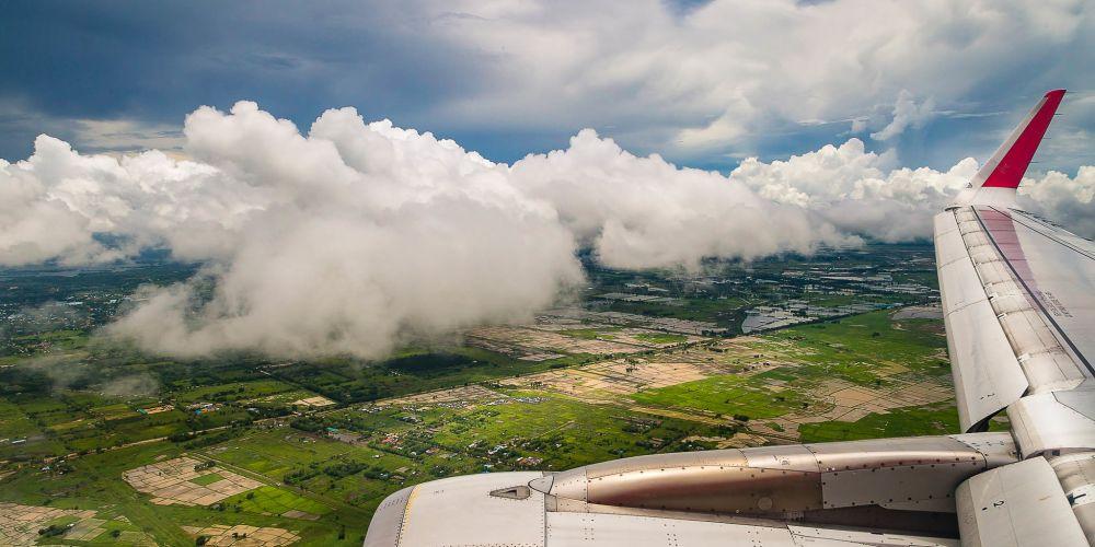 flying_in_to_myanmar