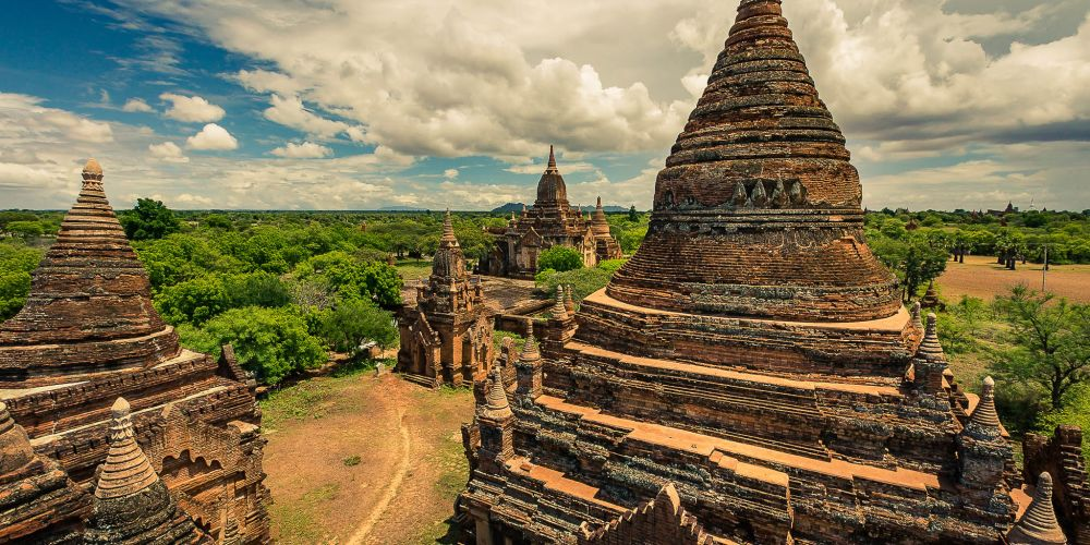 bagan_stupas_myanmar