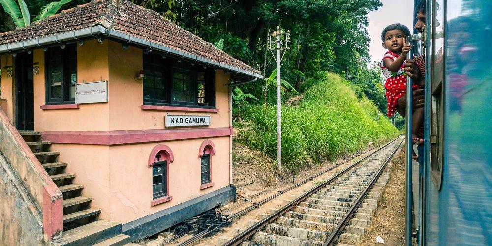 srilanka_train_station