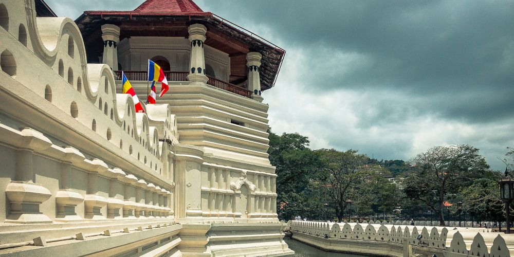 srilanka_temple_of_the_sacred_tooth_relic