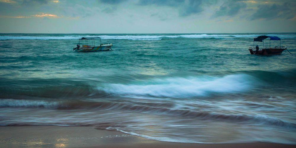 hikkaduwa_srilanka_boats