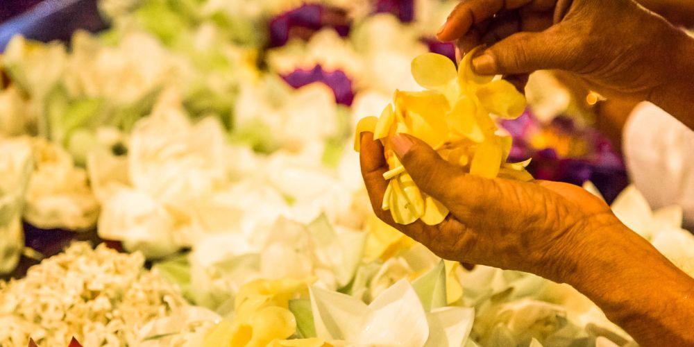 Flower_Offerings_SriLanka