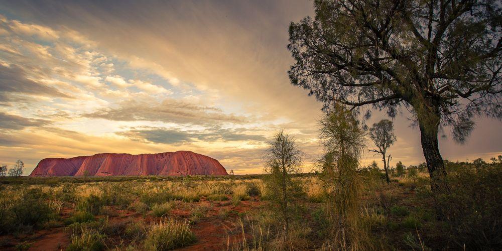 australia_uluru_sunrise