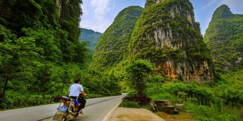 yangshuo_motorcycle_china
