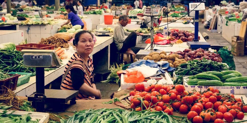 yangshuo_market_china