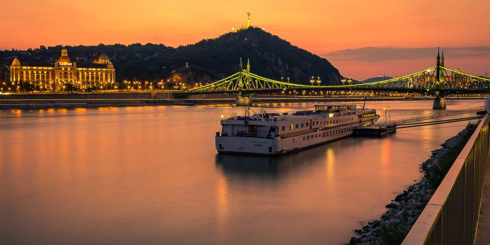 budapest_hungary_danube_sunset