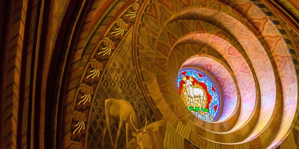 budapest_matthias_church_window