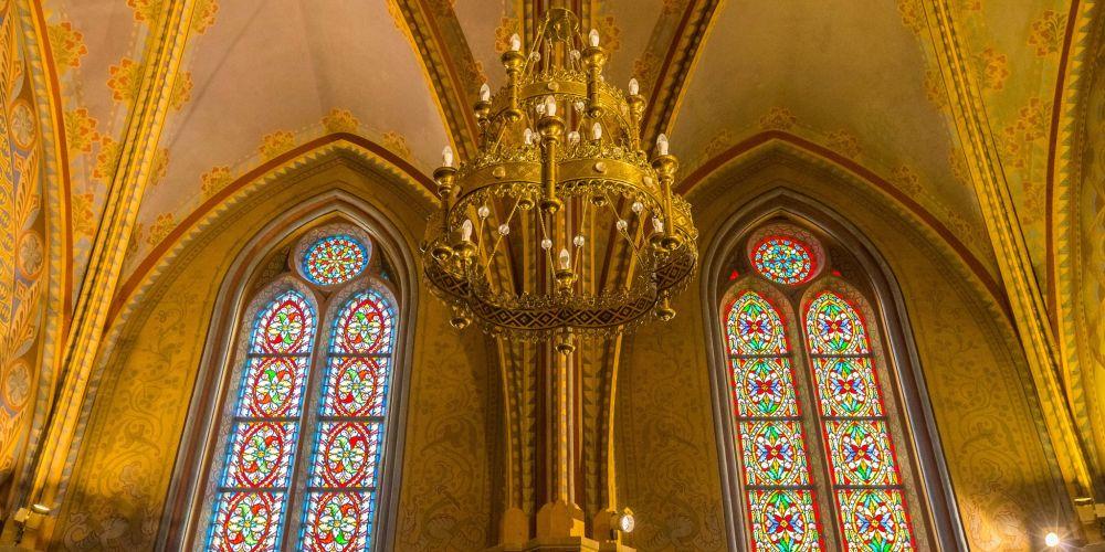 Matthias_Church_Windows_Budapest