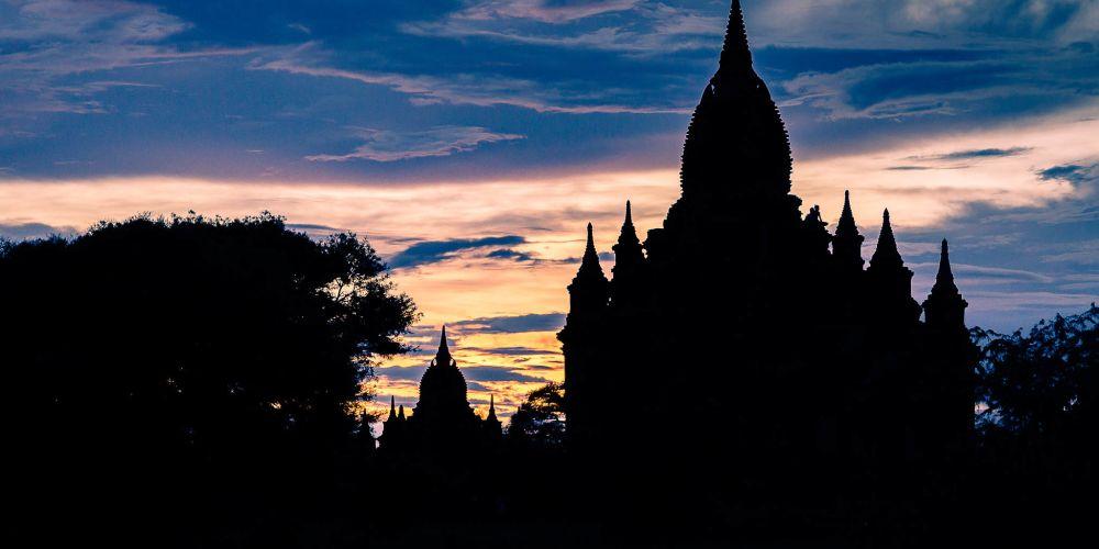 bagan_temple_silhoutte_myanmar