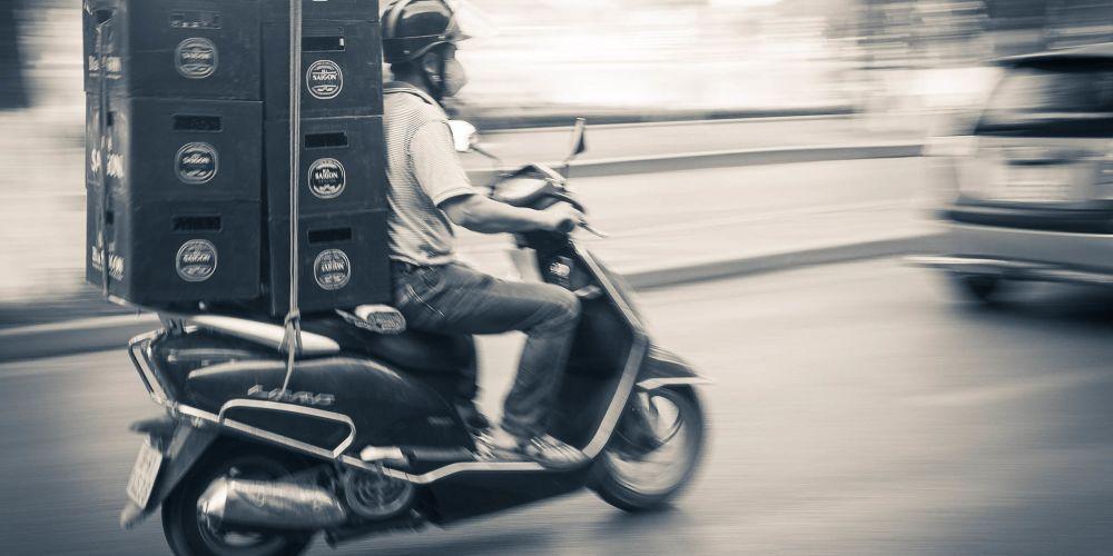 vietnam_motorbike_delivery