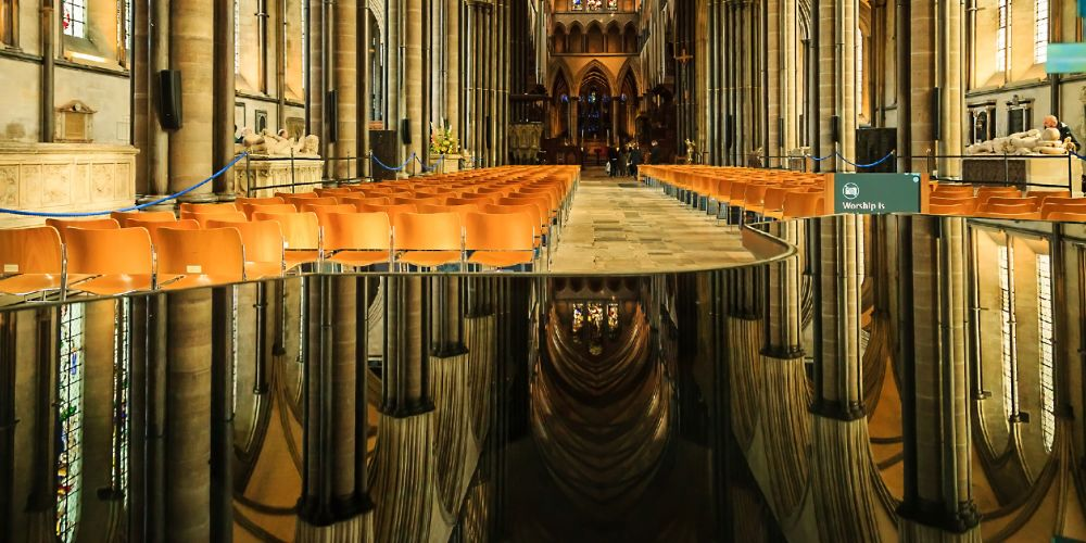 salisbury_cathedral_reflection