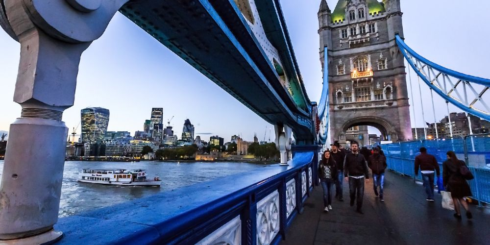 tower_bridge_walkway