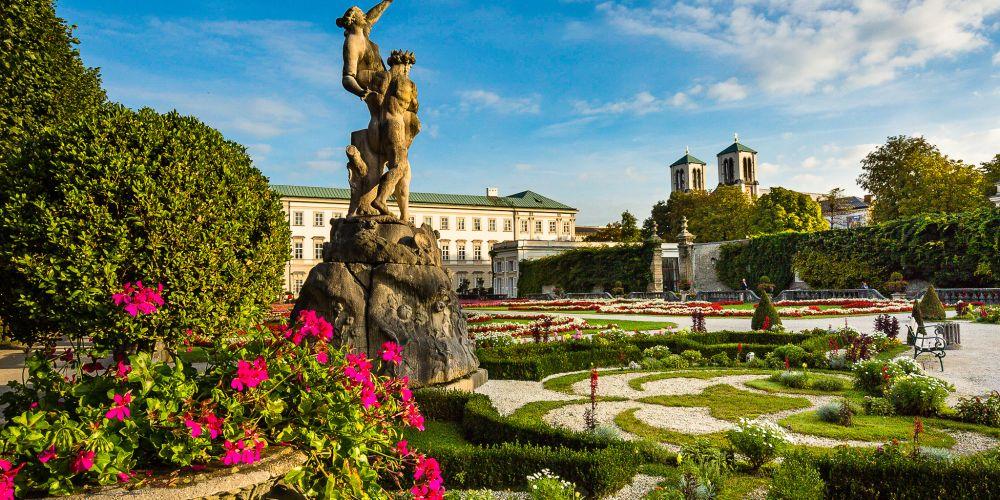 mirabellgarten_statue_salzburg_austria