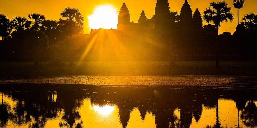 angkor_wat_sunrise_cambodia