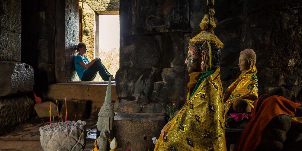 cambodia_ta_keo_altar