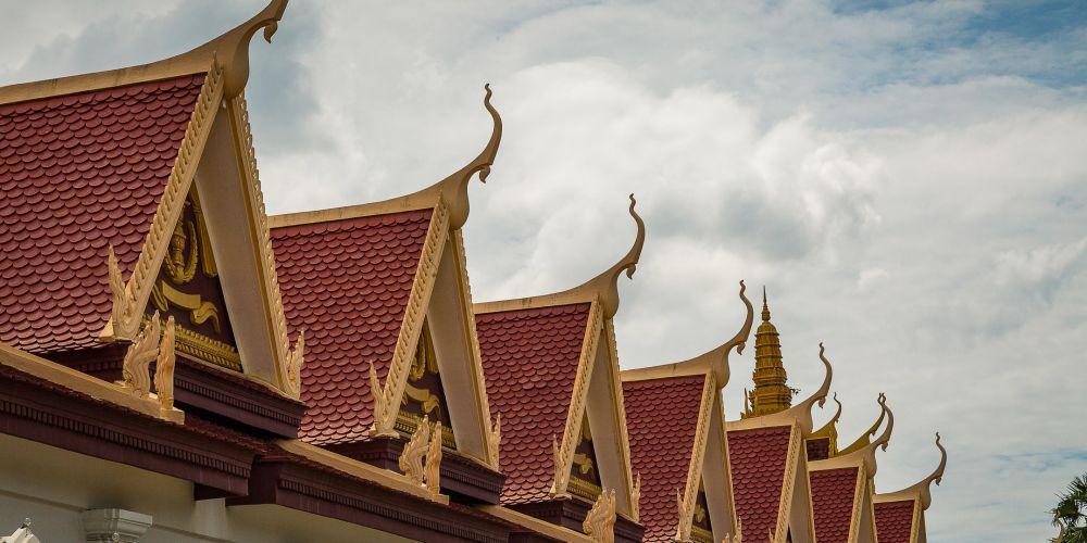 cambodia_royal_palace_roofs