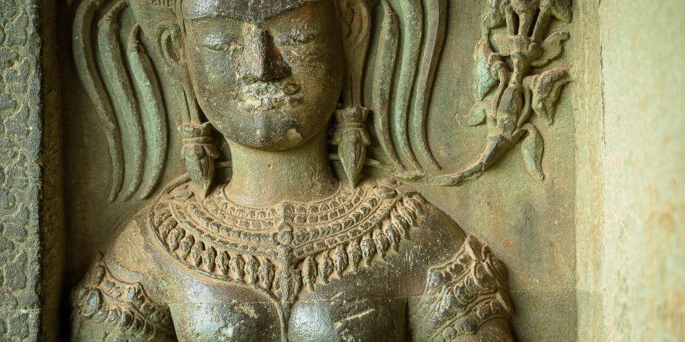 cambodia_carving_angkor_wat_detail