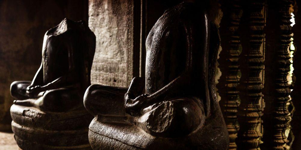 angkor_wat_statues_cambodia