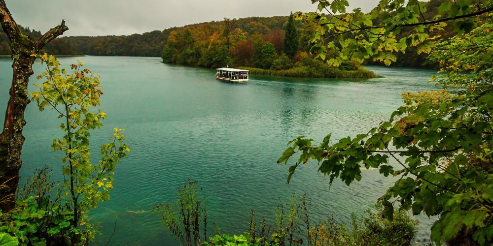 plitvice_lakes_ferry_croatia