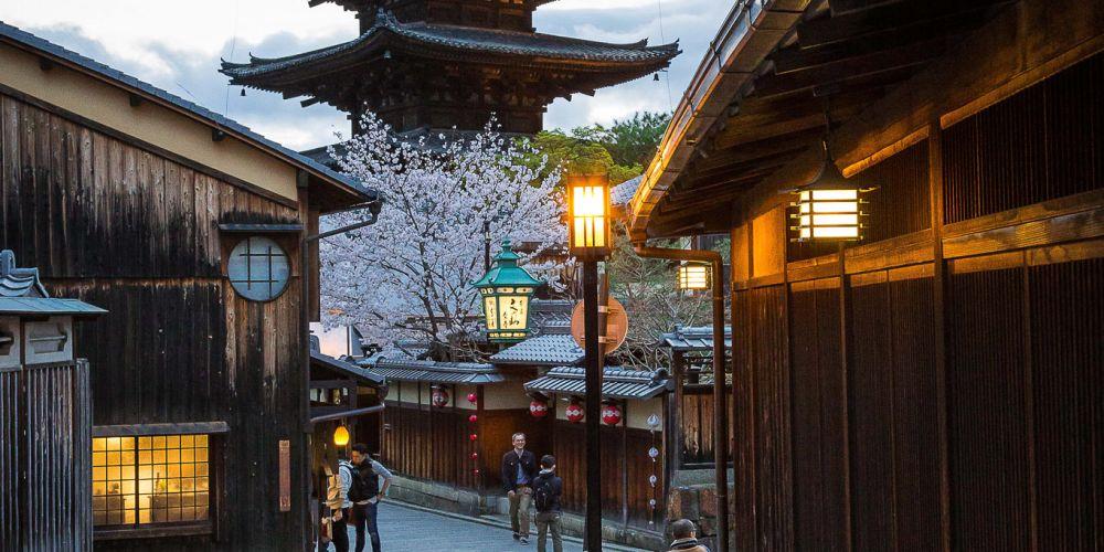 Kimonos_of_Kodaiji_Temple_Japan