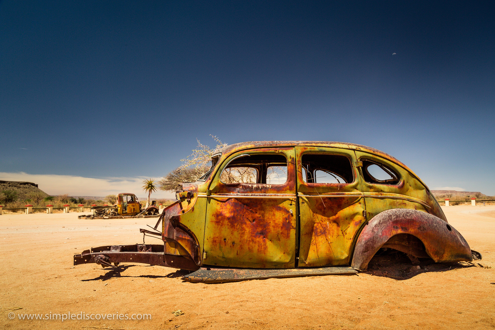 Namibia_abandoned_car