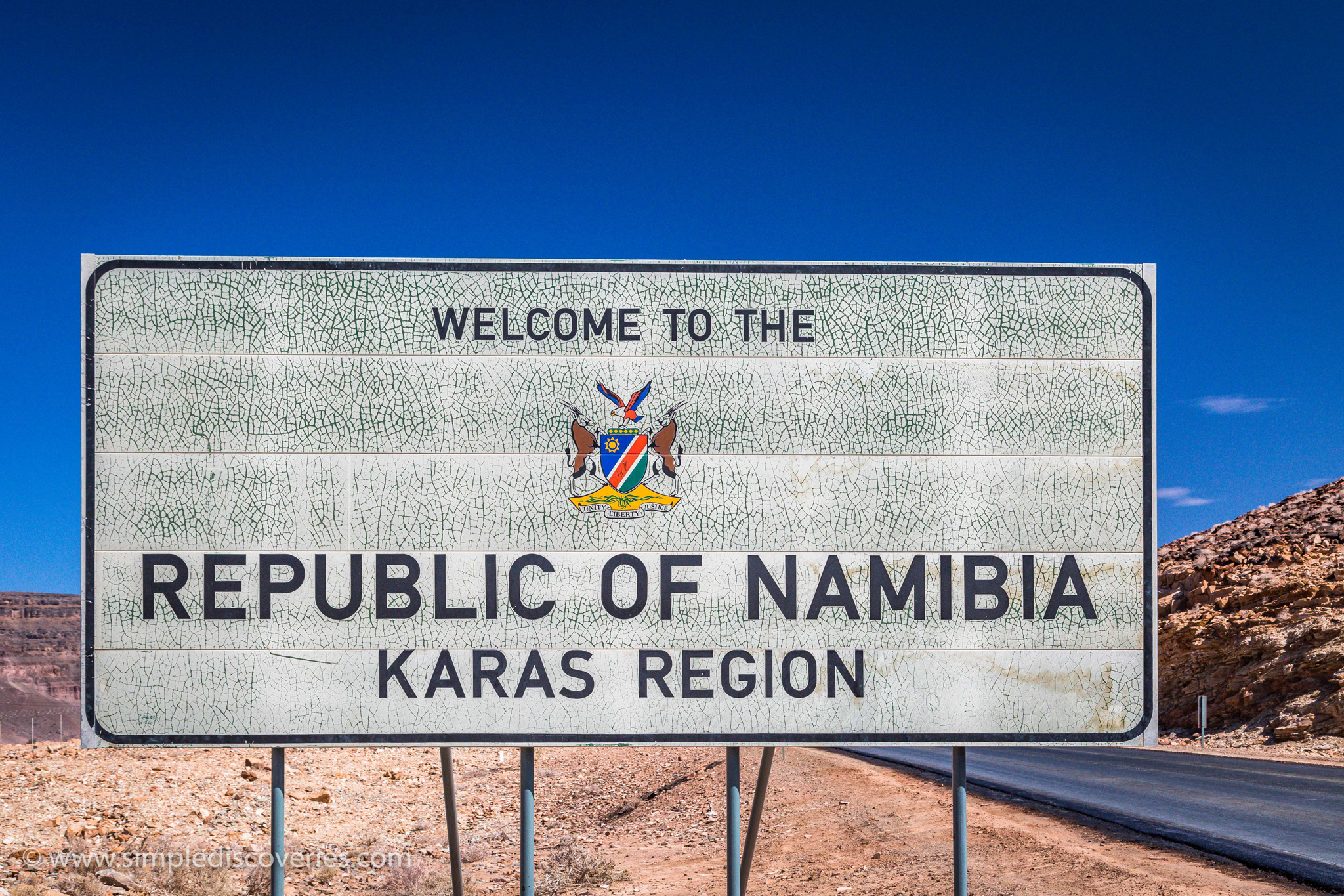 Namibia_border_sign