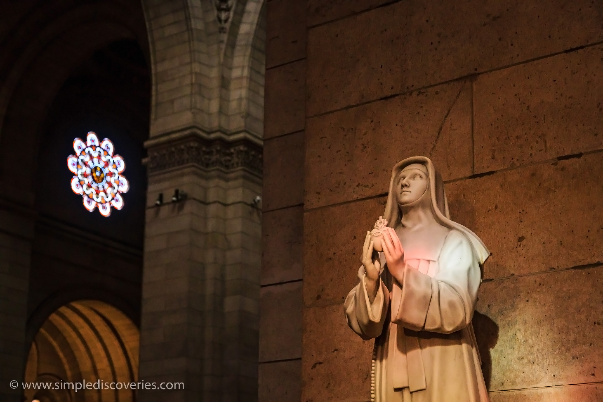 paris_church_statue
