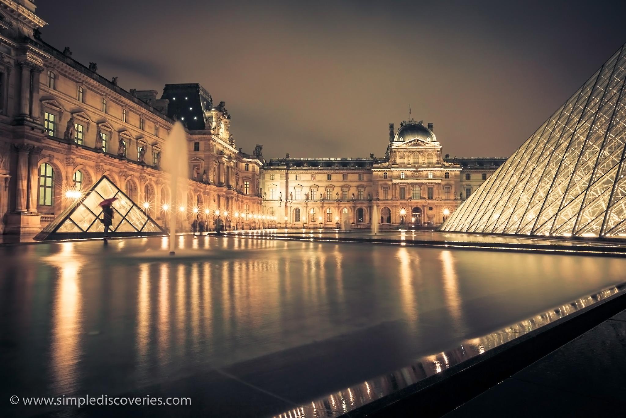 louvre_paris_night